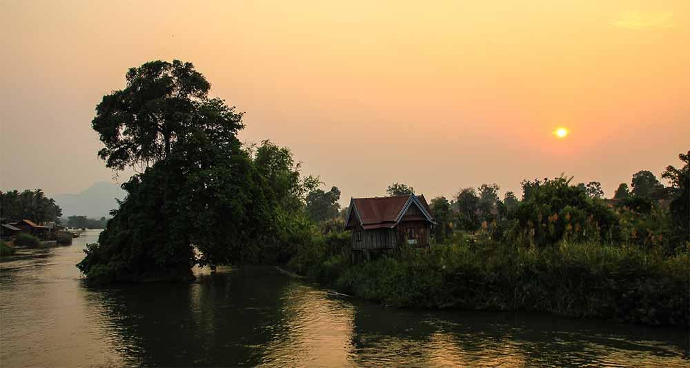 Si-Phan-Don-4000-islands-laos-backpacker