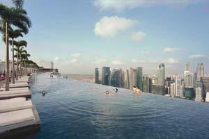 marina-sand-bay-hotel-endless-pool-backpacker-singapur